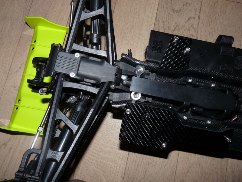 b-revo chassis alu et b-revo chassis carbone - Page 21 P1020016
