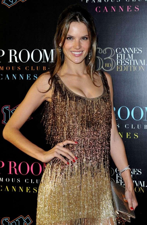 Alessandra Ambrosio en Cannes 69150e11