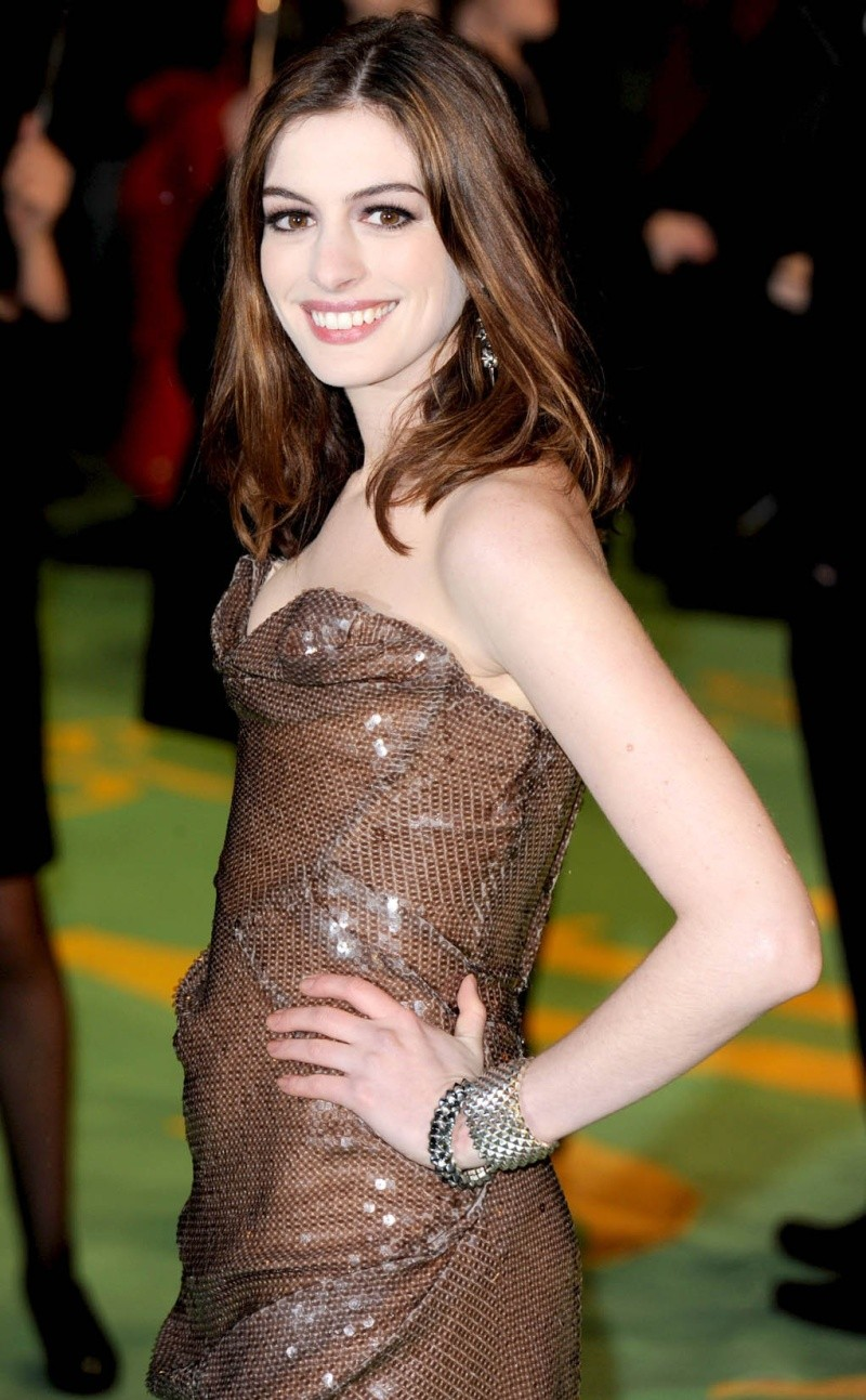 Anne Hathaway en un evento reciente Anne_h10