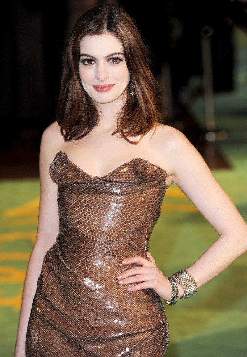 Anne Hathaway en un evento reciente Anne_h11