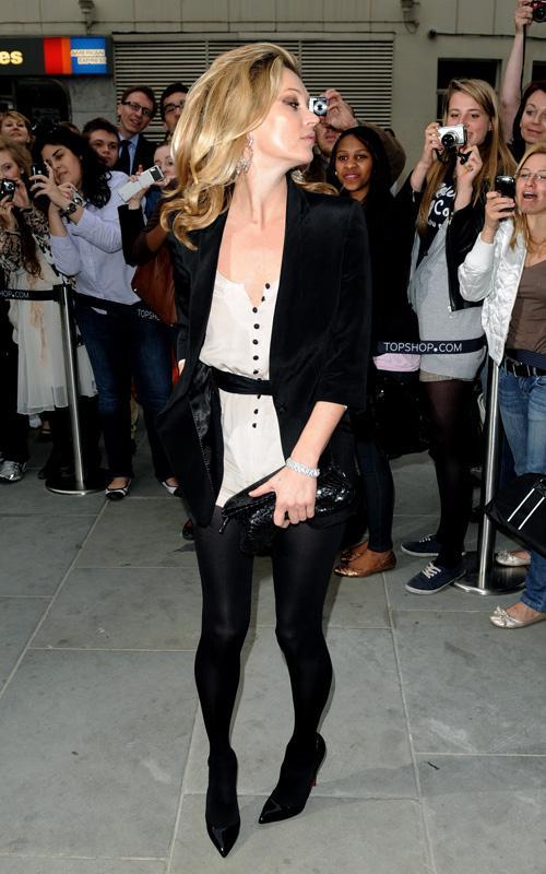 Kate Moss en Inglaterra abriendo una tienda Kate-m10