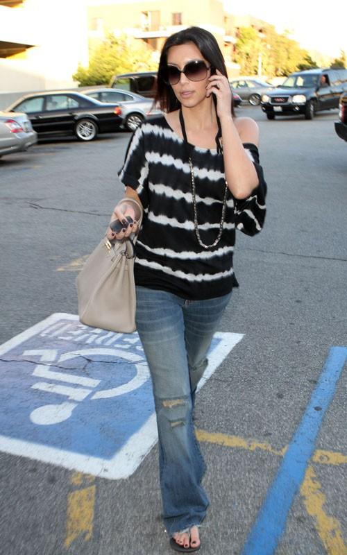 Kim Kardashian de compras por LA Kim-ad11
