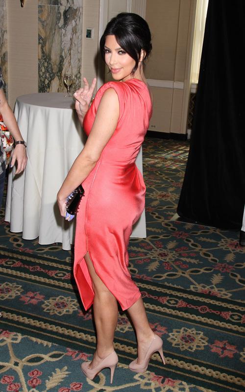 Kim Kardashian en The 16th Annual CEW Beauty Awards Kim-ka13