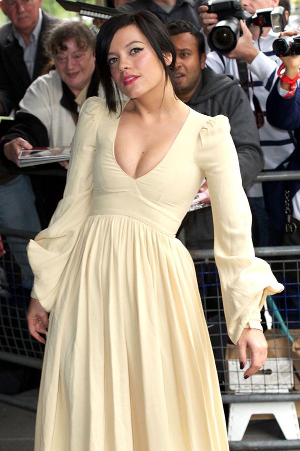 Lily Allen llegando a Cannes Lily10