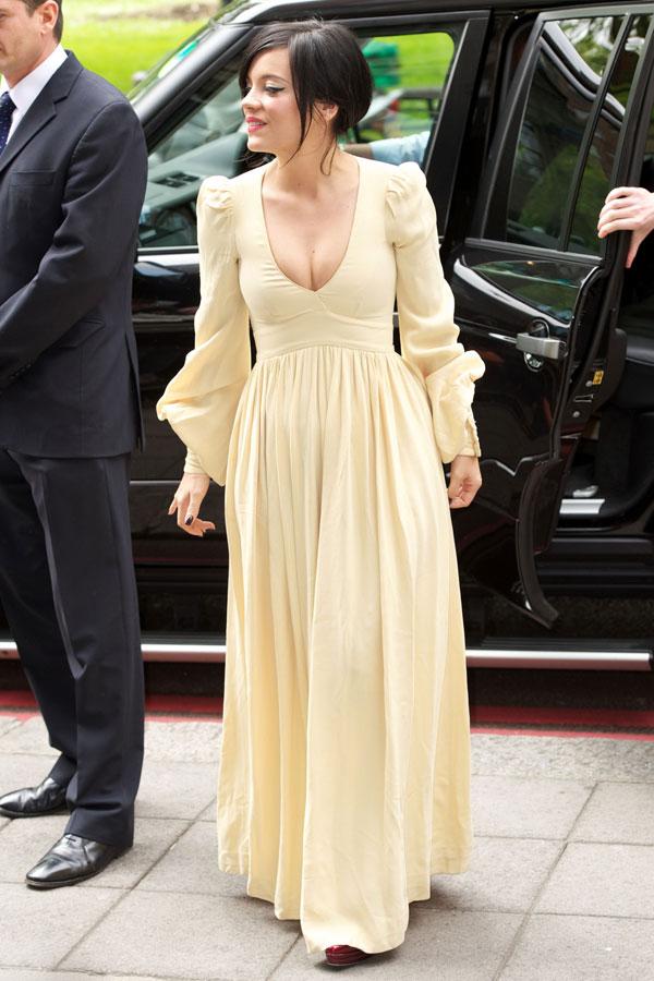 Lily Allen llegando a Cannes Lily210