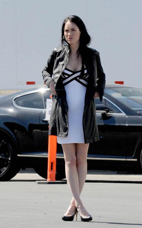 Megan Fox rodando Transformers 3 Megan-15