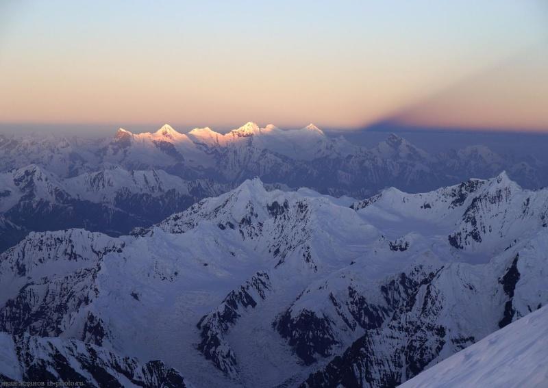 Les points culminants du monde vus avec Google Earth Tadjik14