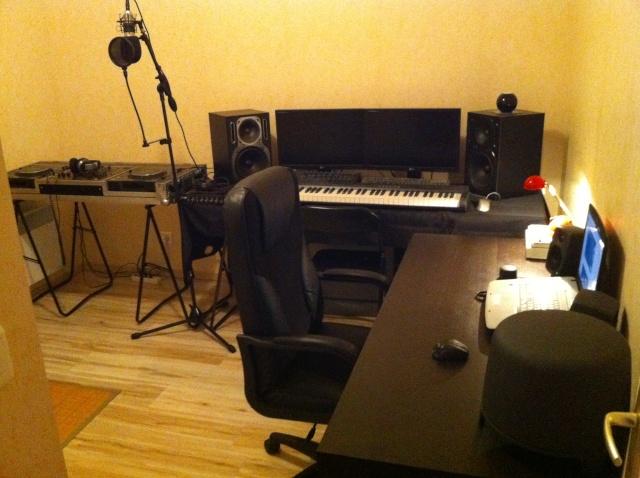 Votre Studio - Page 2 Img_0410