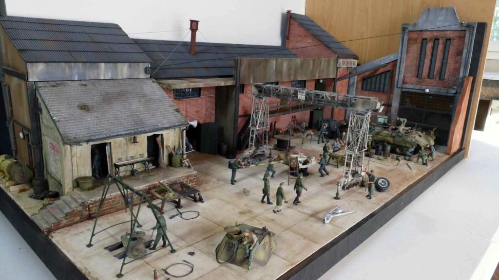 Maintenance d'un panzer dans une usinependant la guerre _copie11