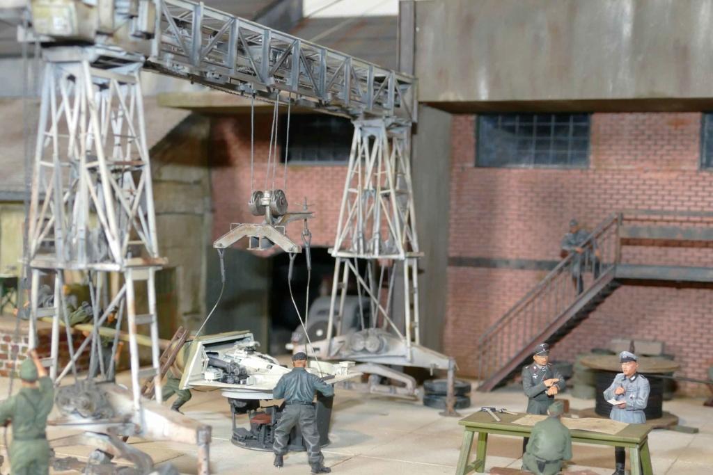Maintenance d'un panzer dans une usinependant la guerre P1000121