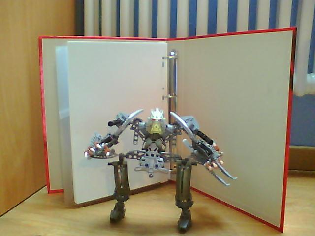 [Moc] guerrier mécanique V1 , V2 et V3 Pictur16