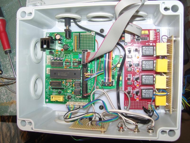 montage électronnique d'un programmateur horaire avec affichage lcd Snv80214