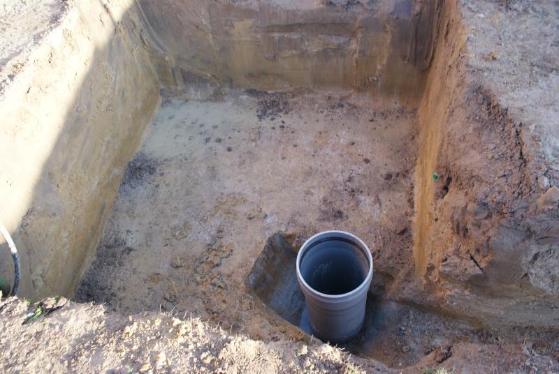 Debut des travaux de notre céline 09 avec paso escalight et filtration a sable Dsc03323