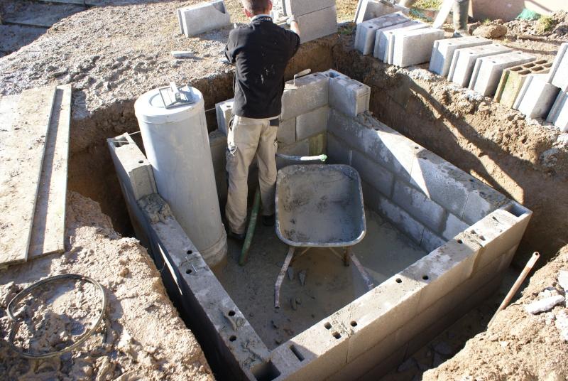 Debut des travaux de notre céline 09 avec paso escalight et filtration a sable - Page 2 Dsc03330
