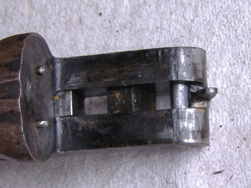 quelqu un connait ce model ? Dscf2411