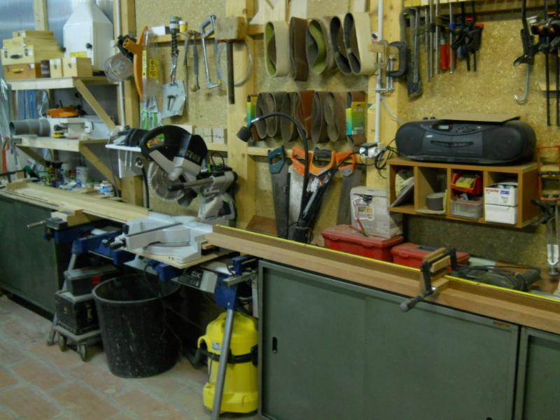 réalisation d'un meuble support pour scie à onglet - Page 4 Dscn1410