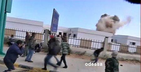 mimouni - Les photos de la honte :Alqaeda et l'Aqmi remercie  les occidentaux ? Snapb10