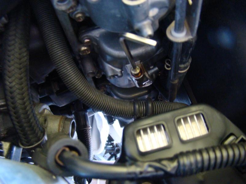 Purge des cuves de carburateurs des Inazuma GSX 750 et GSX 1200 Dsc04712