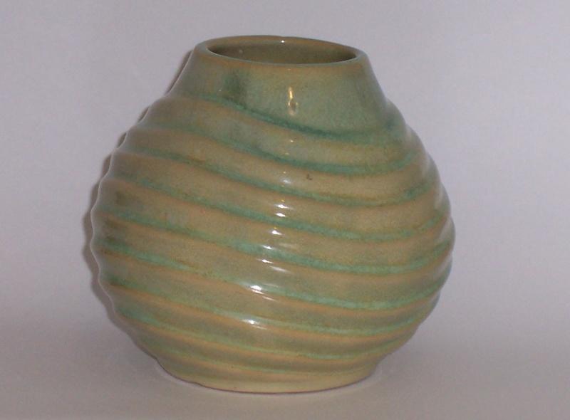 A running glaze 83 00810