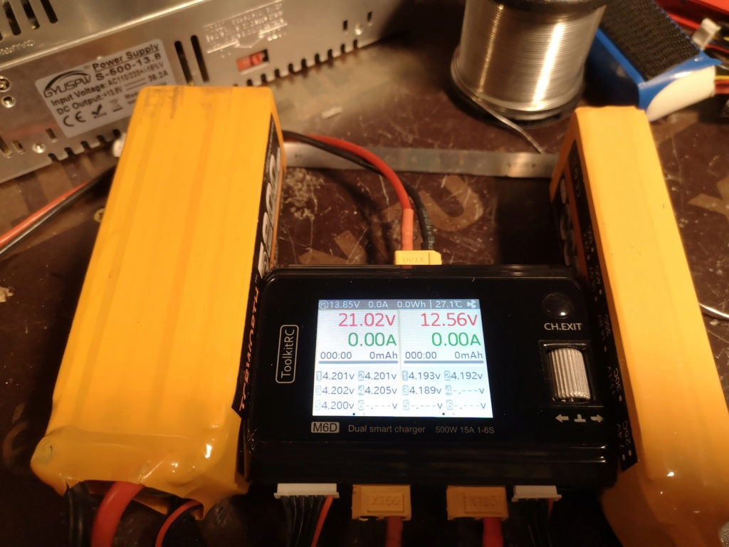 Nouveau chargeur ToolKitRC M6D + alim 13.8V 500w Charge19