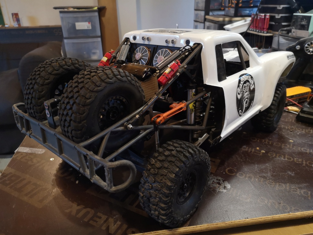 UDR 4000 Custom by Traxxas - Project Buil  UDR 4400-Inspired Race Rig Img_2012