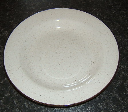 Unusually shaped Homestyle plate/dish Homest10