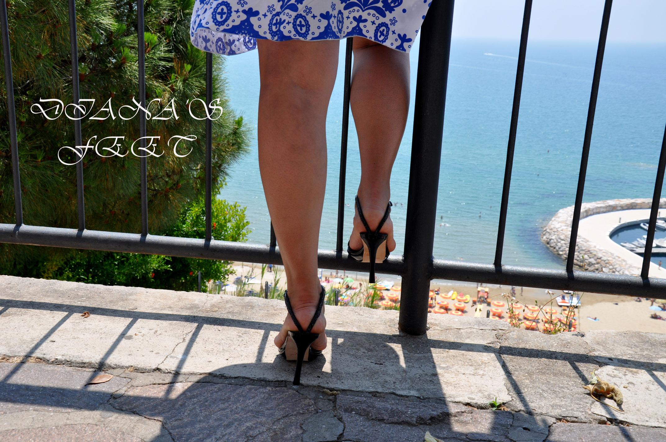 Diana 's feet 02d42310