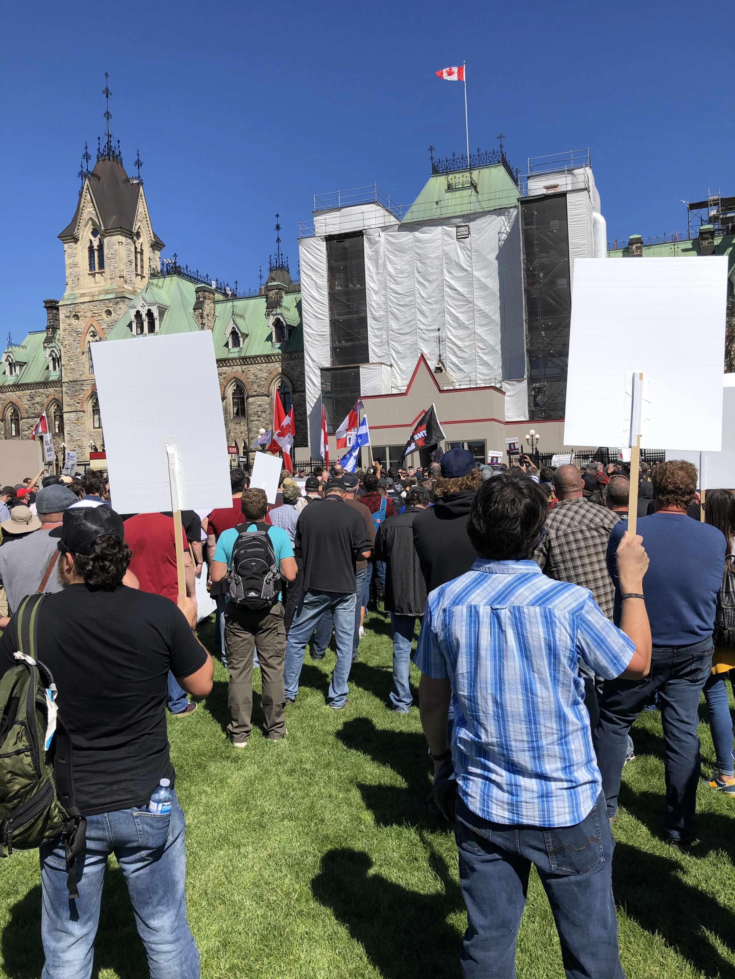 Manifestation CCFR à Ottawa le 12 sept 20 - Page 4 Img_5913