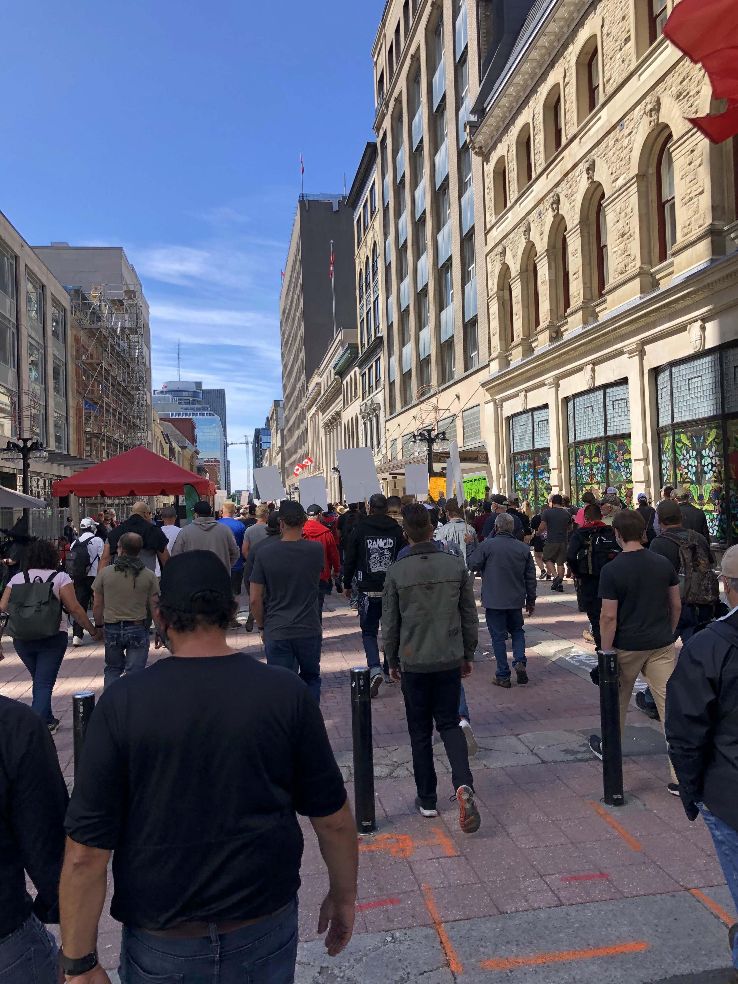 Manifestation CCFR à Ottawa le 12 sept 20 - Page 4 Img_5914