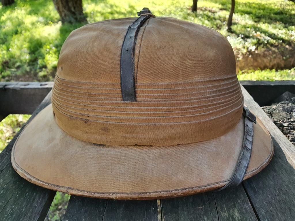 Avis pour un casque colonial. 20201143