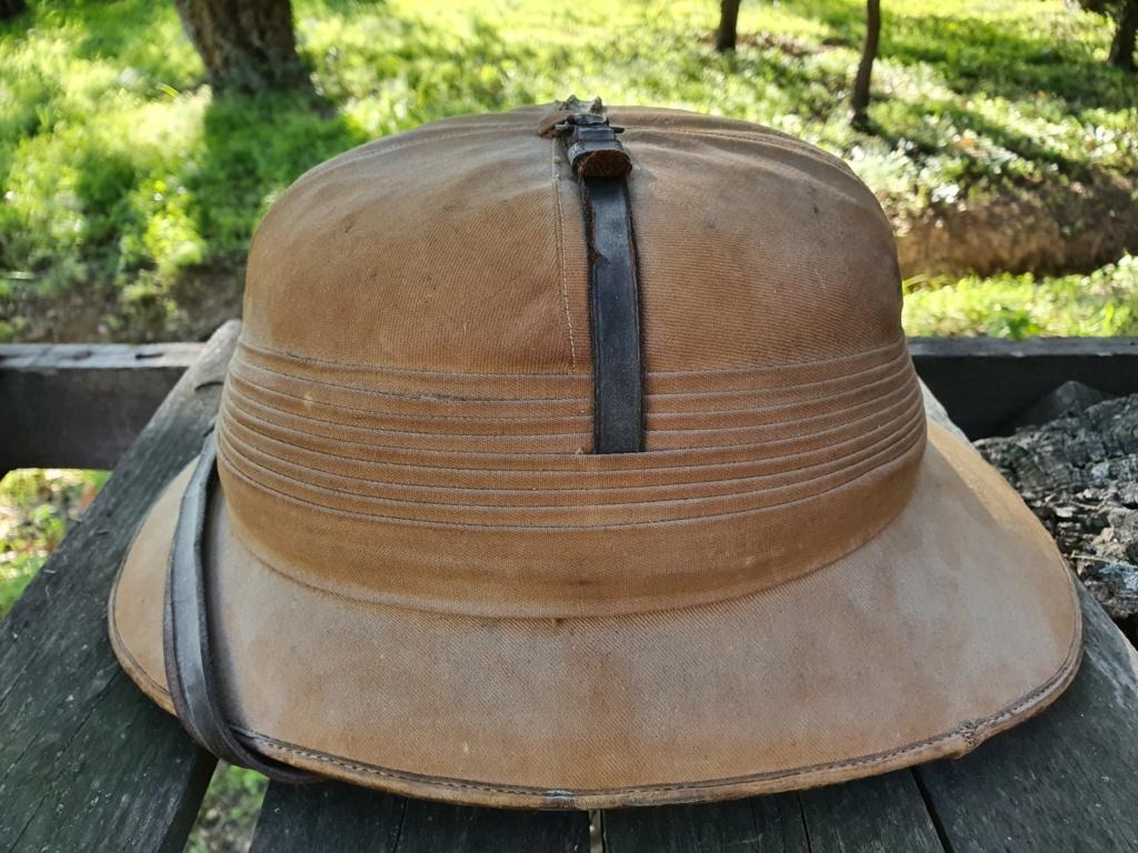 Avis pour un casque colonial. 20201144
