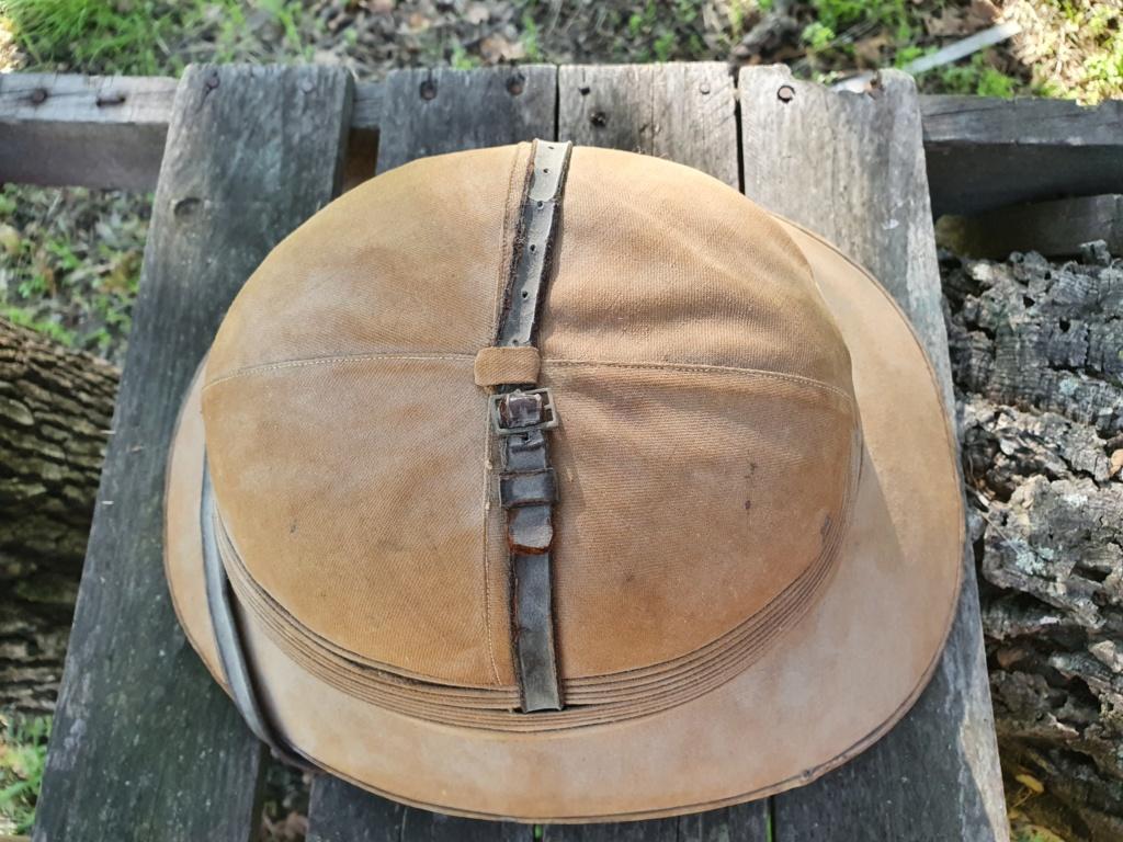 Avis pour un casque colonial. 20201145