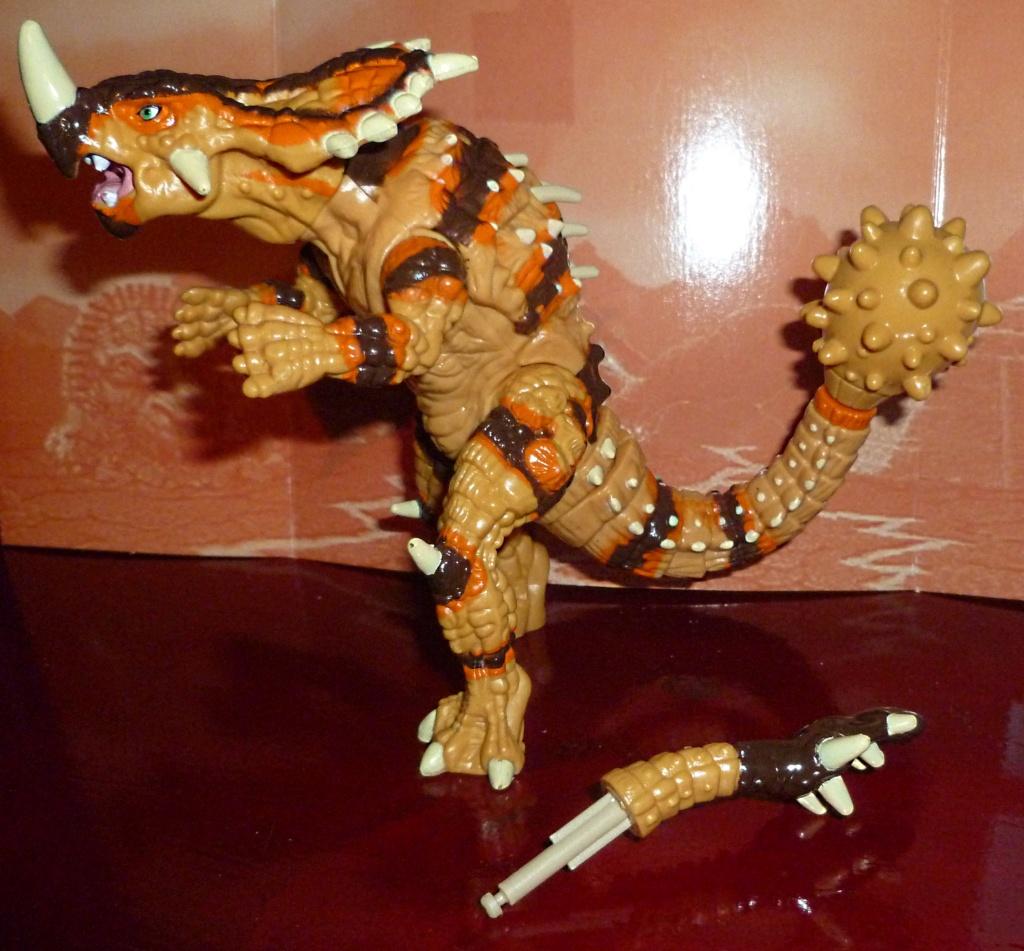 My Video Game Figures & Strategy Guides: Super Godzilla & Predator Games! Armado10