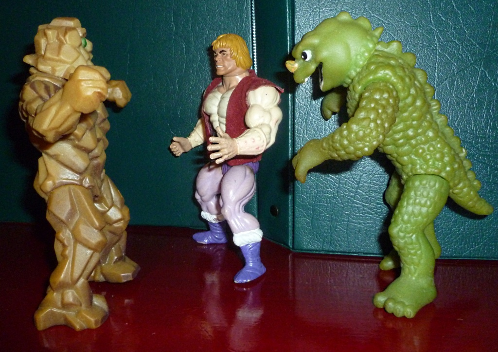 My VINTAGE Action Figure Collection: BOGLINS! - Page 2 Compar10