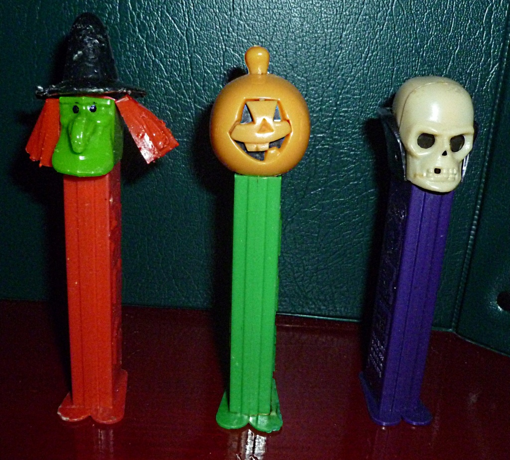 My VINTAGE Action Figure Collection: Gabara, The Mummy's Curse & More! - Page 5 Pez_ha10