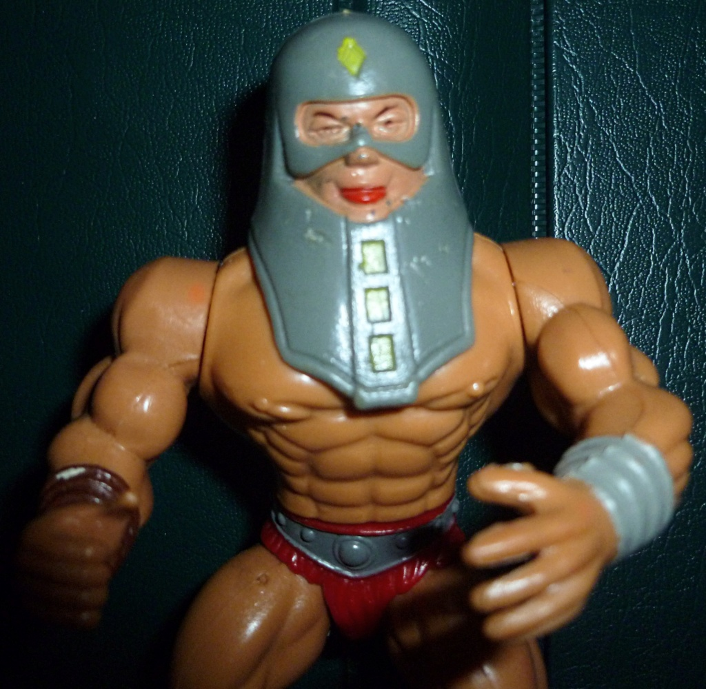 My VINTAGE Action Figure Collection: Gabara, The Mummy's Curse & More! - Page 4 Weapon12