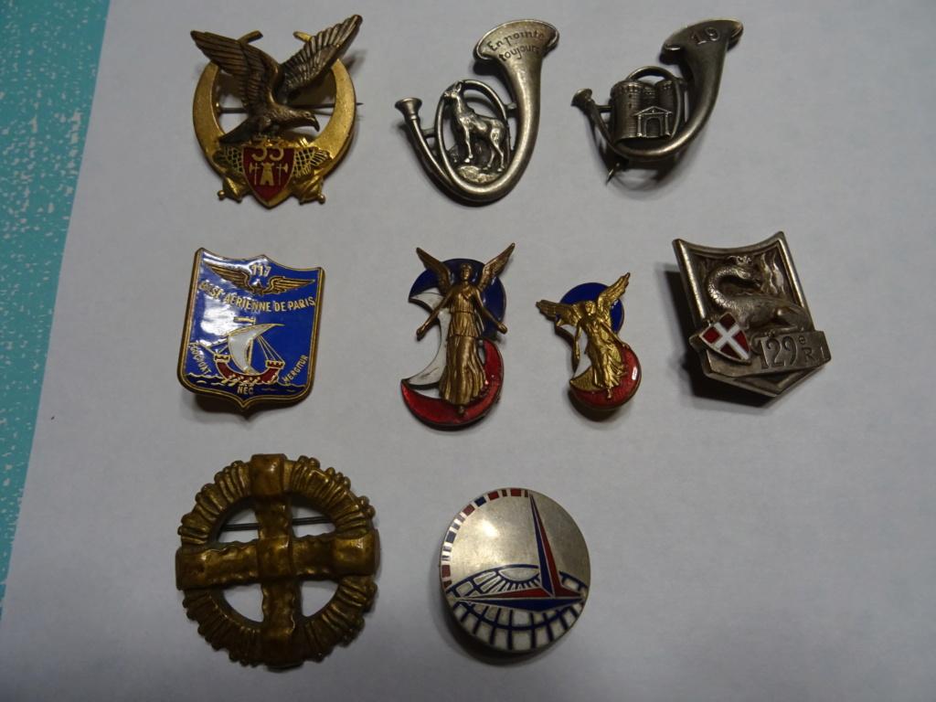 lot  d'insignes  Dsc01428