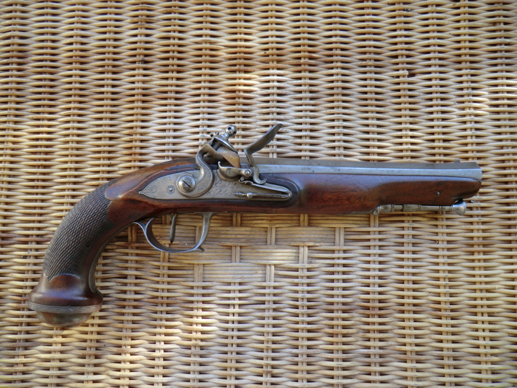 Pistolet d'officier à silex Cimg3761