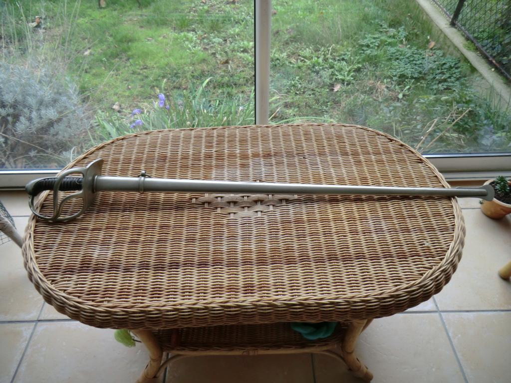 Curieux sabre de cavalerie modèle 1882 Cimg3943