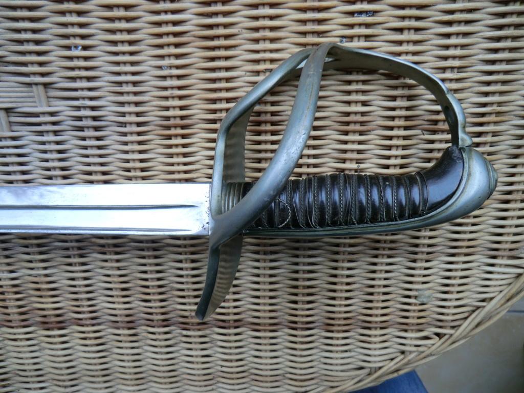 Curieux sabre de cavalerie modèle 1882 Cimg4010