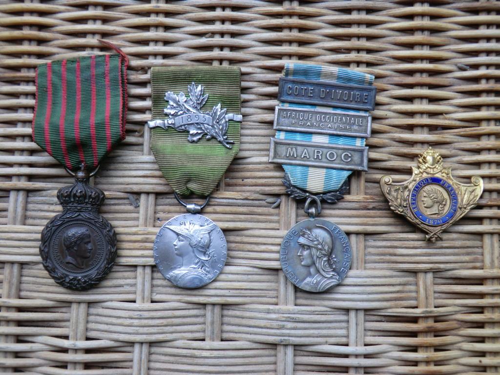Chatou : Médailles coloniales, Meissen... Cimg4616