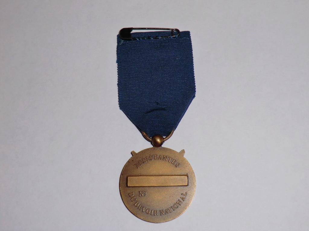 Médaille ADN (Assistante du Devoir National) Cimg4750
