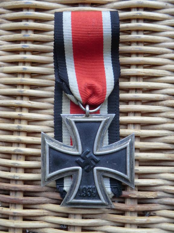Croix de fer WW2 à authentifier svp  Cimg5210