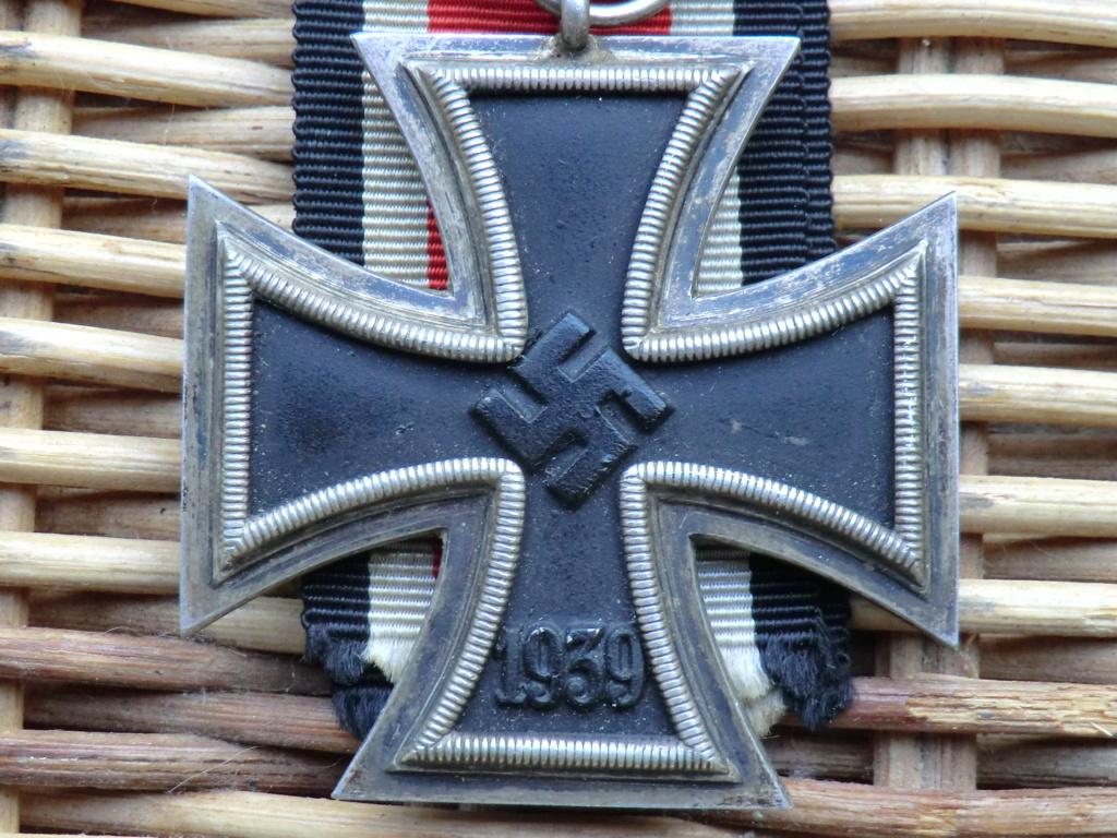 Croix de fer WW2 à authentifier svp  Cimg5211
