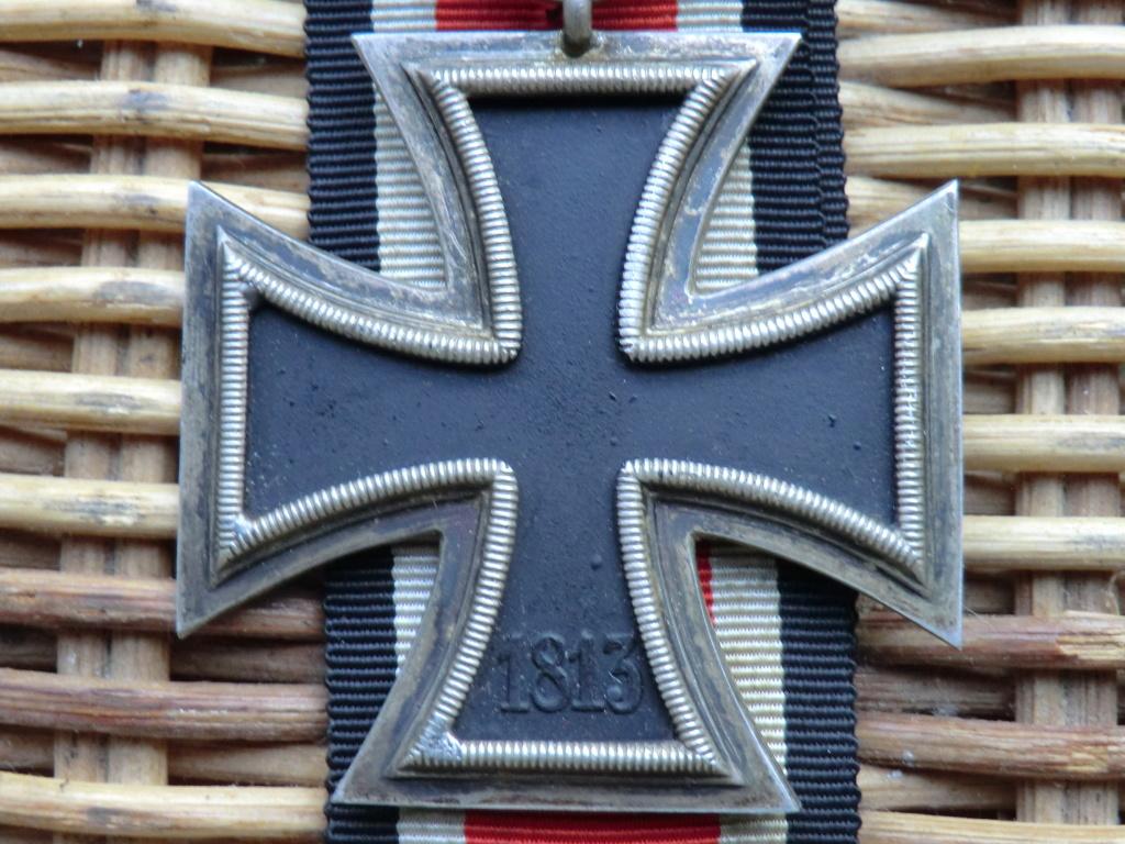 Croix de fer WW2 à authentifier svp  Cimg5212