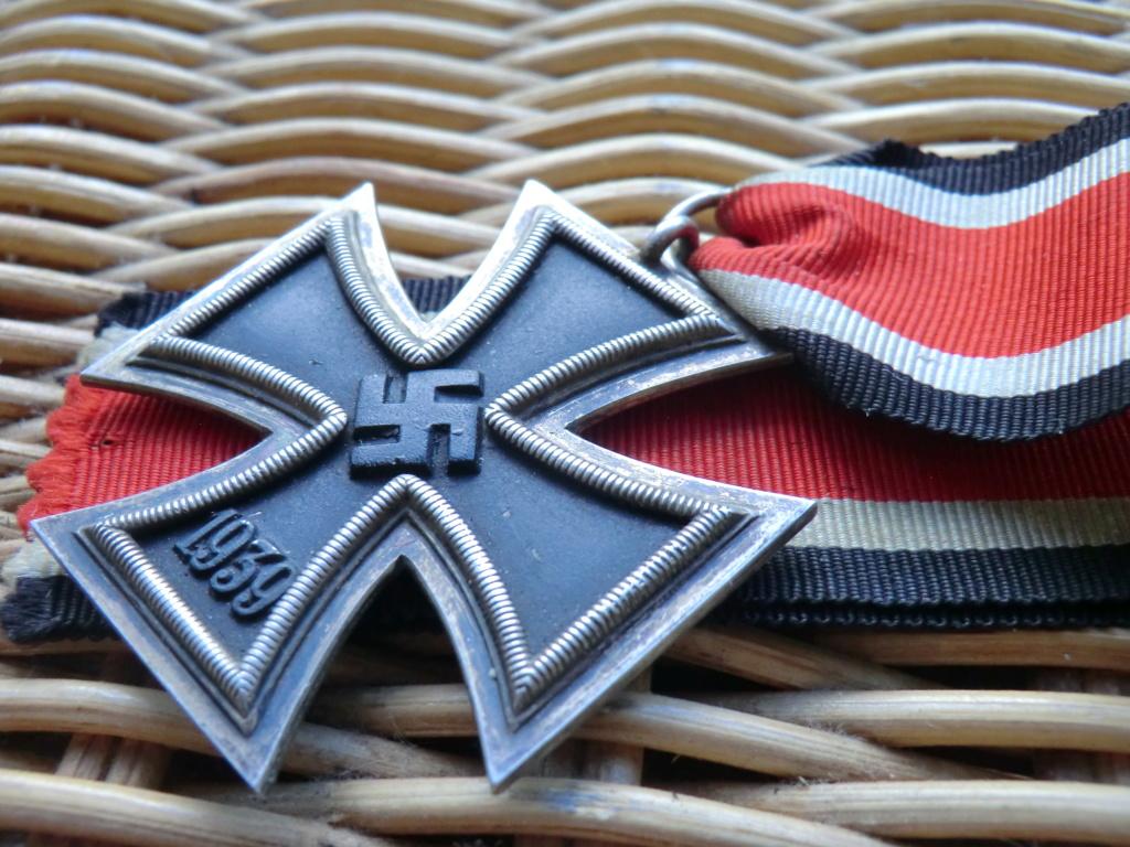 Croix de fer WW2 à authentifier svp  Cimg5311