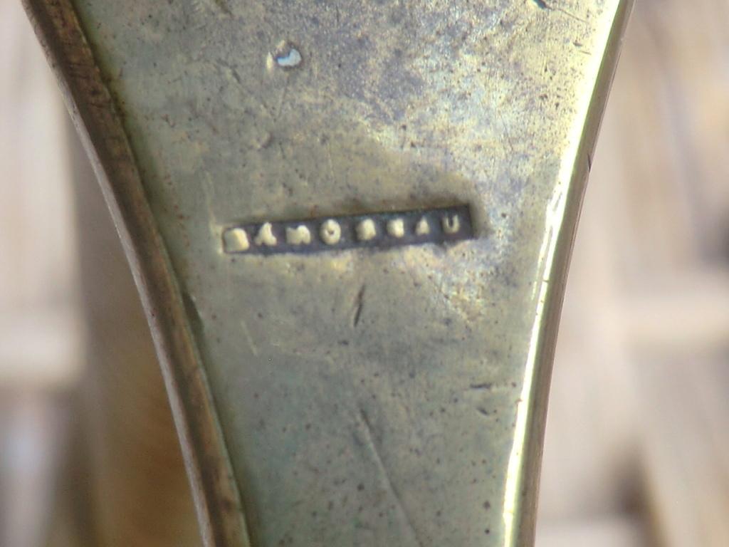 Sabre briquet, fourbisseur à identifier svp Cimg7512