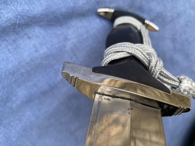 dague ss modéle à chainettes(kettendolch) Image041
