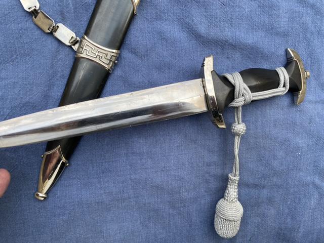 dague ss modéle à chainettes(kettendolch) Image043