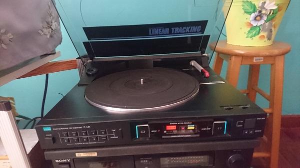 Vintage Yamaha Receiver CR1020 + FREE Sansui DD Turntable Dsc_0212